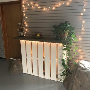 DIY Pallet Bar instructions from Mulder's Landscape Supplies